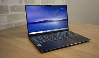 Asus ZenBook 14 UX425J open