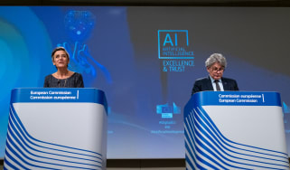 Margrethe Vestager and Thierry Breton speaking at a press conference on AI in 2021