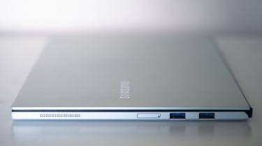 Samsung Galaxy Book Ion - right edge