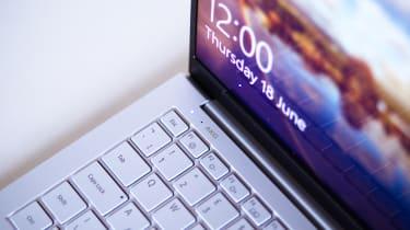 Samsung Galaxy Book Ion - keyboard top left corner