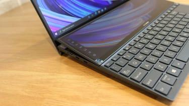 Asus ZenBook Duo 14 UX482 left hand ports