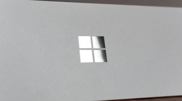 Microsoft Surface Pro 7+ Windows logo