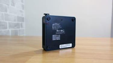 Intel NUC 11 Pro underside