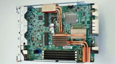 A photograph of the interior of the Qsan XCubeNAS XN8012S