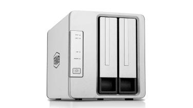 Đánh giá Terramaster F2-210: Giá rẻ và vô cùng linh hoạt (by IT Pro UK)