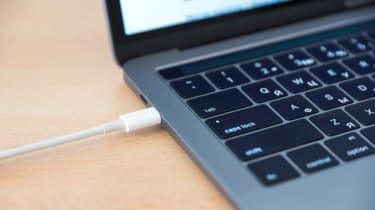 The Thunderbolt connection via USB-C