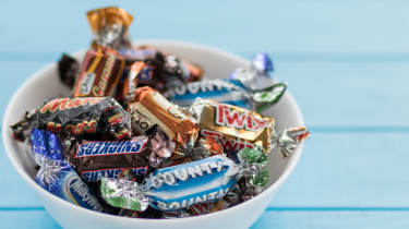 Mars mini chocolates in a bowl