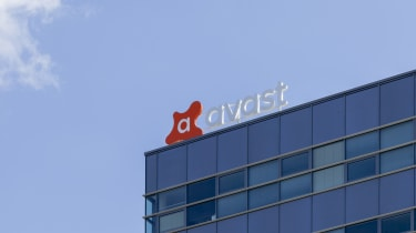 The Avast logo on top of an office building in broad daylight