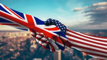 US UK handshake