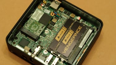 Intel NUC - Internal