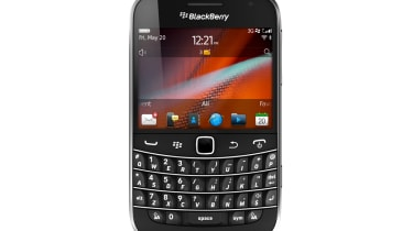 BB Bold 9900 front
