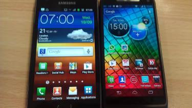 Motorola Razr i vs Samsung Galaxy S2