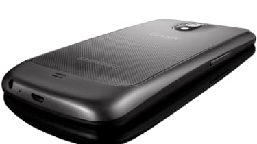 Although meant to be a flagship smartphone, Samsung hasn't really pushed the boat out with the Galaxy Nexus' construction.