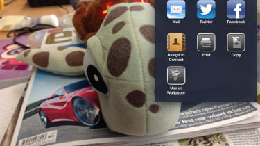 Apple iOS  - Sharing photos with FB