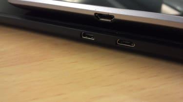 Kindle Fire HD vs Google Nexus 7 - Ports