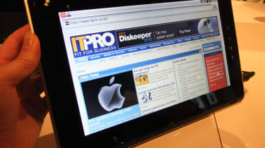 The Toshiba Folio 100 displaying a web page