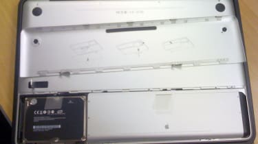MacBook Pro - Battery bay and bottom