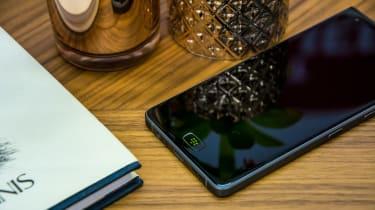 BlackBerry Motion smartphone fingerprint reader