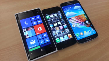 iPhone 5 vs Lumia 920 vs Galaxy S4