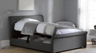 Dreams bed in room