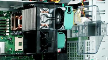 Step 18: Fujitsu Siemens PRIMERGY TX200 S2