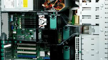Step 17: Fujitsu Siemens PRIMERGY TX200 S2
