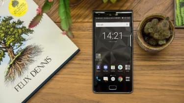 BlackBerry Motion smartphone screen