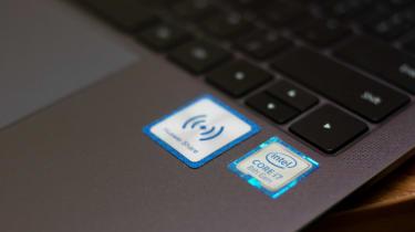 Huawei MateBook X Pro Huawei share sticker