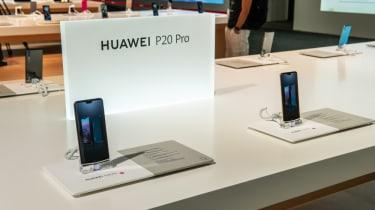Huawei P20 display stand