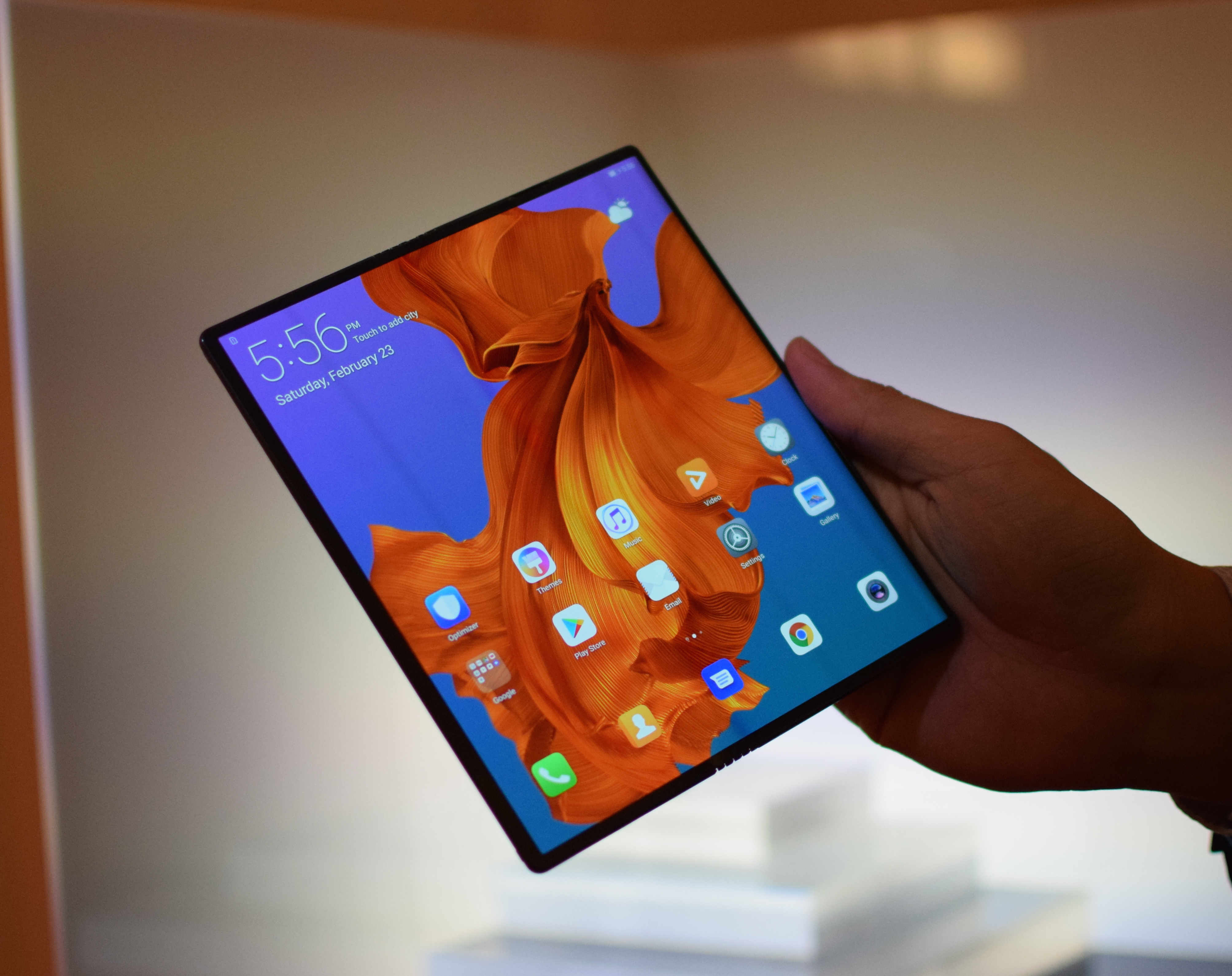 """Huawei Mate X: The """"world's fastest"""" foldable 5G"""